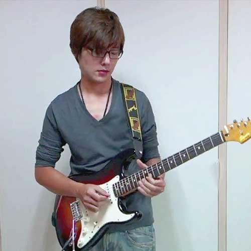 吳潔鴻 老師 —— 流行吉他彈唱教材作者