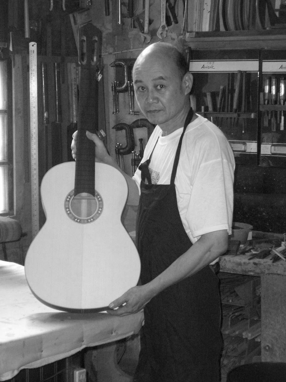 李金全與其手工吉他