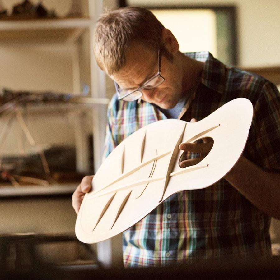 taylor guitar V-class 力木設計展示