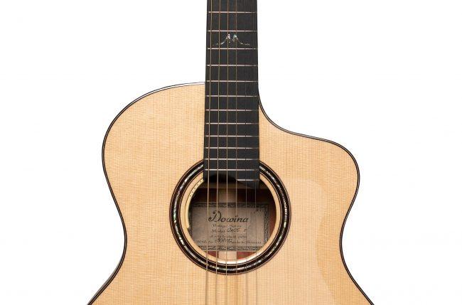 Dowina Guitar Vintage Series - Merlot